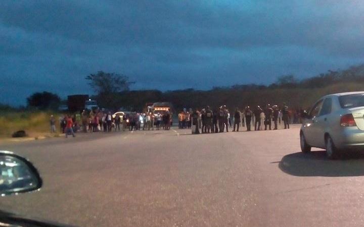 Protesta en Ocumare del Tuy // Foto @corazongris