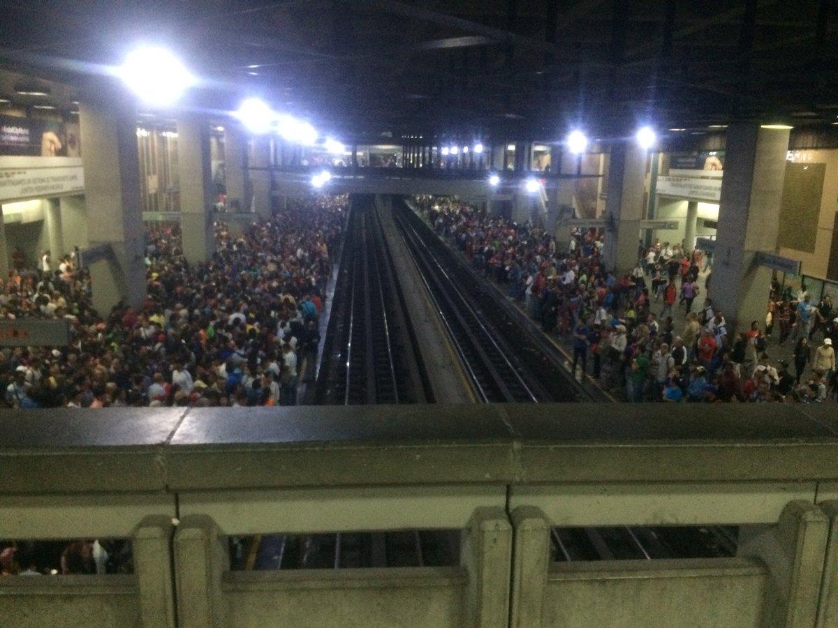 Foto: Retraso en el Metro de Caracas / Cortesía