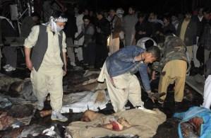 Dos atentados suicidas dejan 81 muertos en Pakistán (Imágenes fuertes)