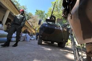 Fuerzas francesas avanzan hacia norte de Malí