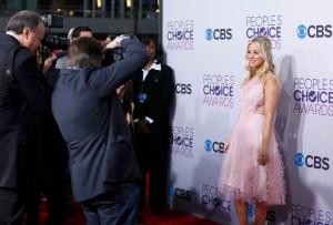 ¡Penny, Penny, Penny! Las mejores fotos de Kaley Cuoco en los People's Choice Awards (FOTOS)