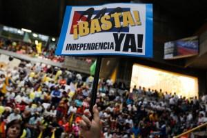 """Opositores venezolanos protestan en Madrid por """"incertidumbre política"""""""