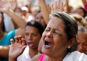 Los rostros de angustia, un día después de la masacre de Uribana (Fotos)