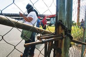 Portones de Sidor cerrados por protesta (Fotos)