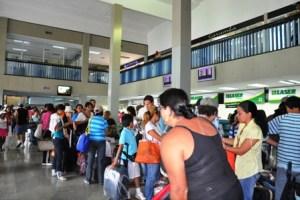 Turistas varados por dos días en el aeropuerto Santiago Mariño