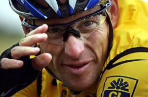 Publican documento que muestra que la UCI cubrió un positivo de Armstrong