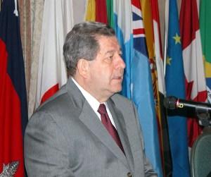 Ex presidente Arturo Vallarino es el sustituto de Guillermo Cochéz en la OEA