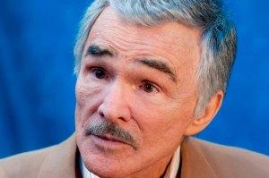 El actor Burt Reynolds se encuentra en cuidados intensivos por una gripe