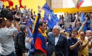 Oposición piensa en candidato de consenso y Capriles mantiene el compromiso