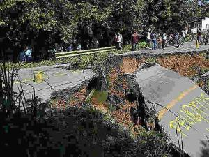 PC Miranda: Vía a Oriente no está afectada por el desplome del puente en Caucagua