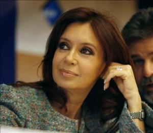 Cristina Kirchner pide devolución de Malvinas en una carta abierta a Cameron