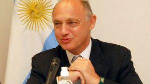 Canciller de Argentina sobre Venezuela: El que gana gobierna y el que pierde acompaña