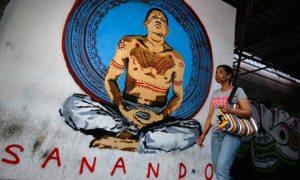The Guardian: Allanan casas de tuiteros que hablan sobre la salud de Chávez