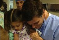 Así le dieron la bienvenida Leopoldo y Manuela a Leopoldo Santiago