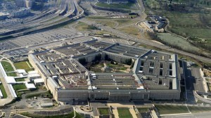 Trump ordena crear un cuerpo militar destinado a operaciones en el espacio