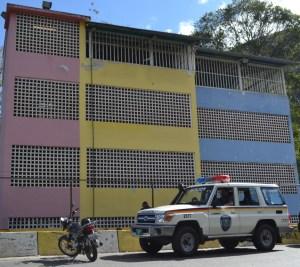 PoliMiranda patrullará día y noche la Unidad Educativa Estadal Manuela Sáenz