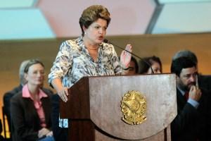 Rousseff dijo que tragedia en la discoteca no debe ocurrir jamás