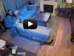 Grabaron a delincuentes robando su casa y subieron el video a Youtube