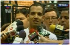 """Estudiantes chavistas acusan a García Arocha, Ravell y López de """"generar violencia"""" (Video)"""