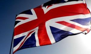 """Protestas violentas en Irlanda del Norte por la retirada de la """"Union Jack"""""""