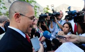 Villegas: Chávez superó la infección respiratoria ( Video + comunicado)