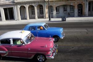 Encuentra las diferencias entre el carro de Maduro y los de Cuba (Fotocomparación)