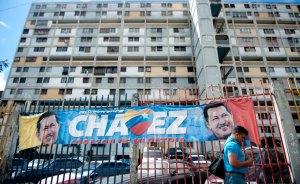 Aunque Chávez no esté, el Gobierno pretende seguir en funciones