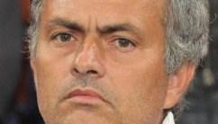 Mourinho expulsado por protestar