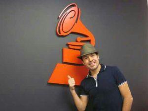 Julio Cesar reconocido por el Grammy Latino