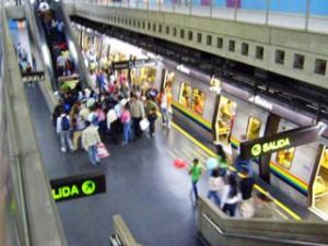 Usuarios intentaron linchar a delincuente en la estación Los Símbolos (Video)