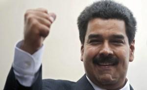 """Maduro agradece a los Castro las """"esmeradas atenciones"""" a Chávez"""