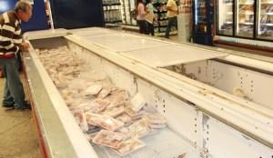 Escasez de pollo y papel higiénico en Coro
