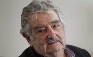 Mujica dice que viaja a Venezuela para respaldar al Gobierno y al pueblo