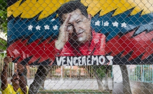 ABC: Médicos suavizan sedación a Chávez