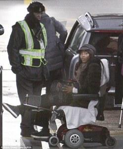 Atacan y asaltan a Naomi Campbell en París (Fotos)