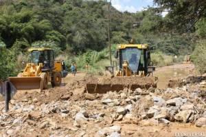 Ocariz prometió arreglar el problema del agua y la vía en Paulo VI