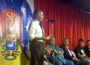 Diego Árria conformó junta patriótica para restablecer la Constitución