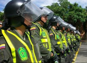Policía de Colombia decomisa 250 kilogramos de explosivos cerca de Bogotá