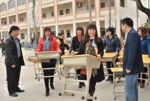 Fueron despedidos tres directores por pedirle a los alumnos que comprarán pupitres