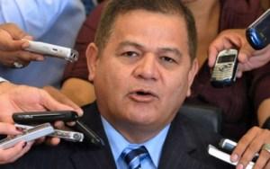 General golpista en Honduras se postuló para la Presidencia