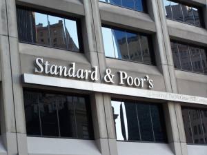 Standard and Poor's confirma amenaza de degradar a Irlanda