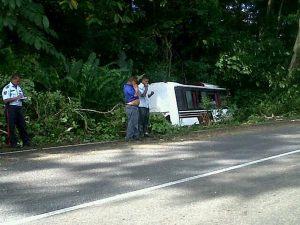 Accidente en la Troncal 9 deja cinco personas lesionadas (Foto)