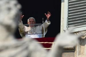 """Papa Benedicto XVI pide a la Iglesia que se """"renueve"""" y """"reoriente"""""""
