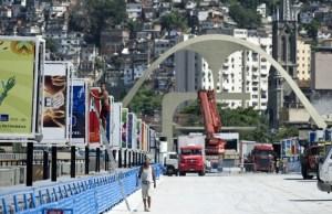 El sambódromo de Río de Janeiro se engalana para la gran fiesta