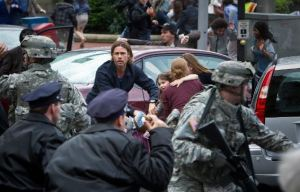 ". @VenAlCine: Brad Pitt vs los Zombies en ""Guerra Mundial Z"" (Nuevo Trailer)"