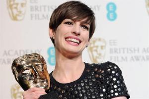 "Anne Hathaway gana el Bafta por ""Les Misérables"""