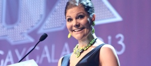 Victoria de Suecia entrega el premio al homosexual del año en gala gay