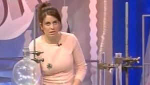 Presentadora de TV se desmayó cuando hablaba de la importancia del… oxígeno (Imágenes)