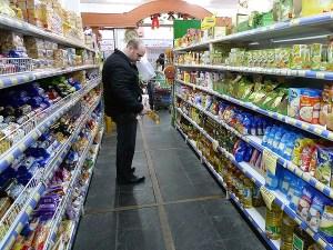 Argentinos temen ola de inflación tras congelamiento de precios