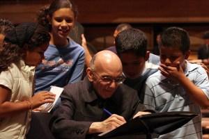 Maestro José Antonio Abreu fue condecorado por el Gobierno dominicano